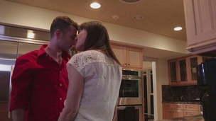 ho hot mom kissing