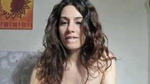 amateur brunette italian